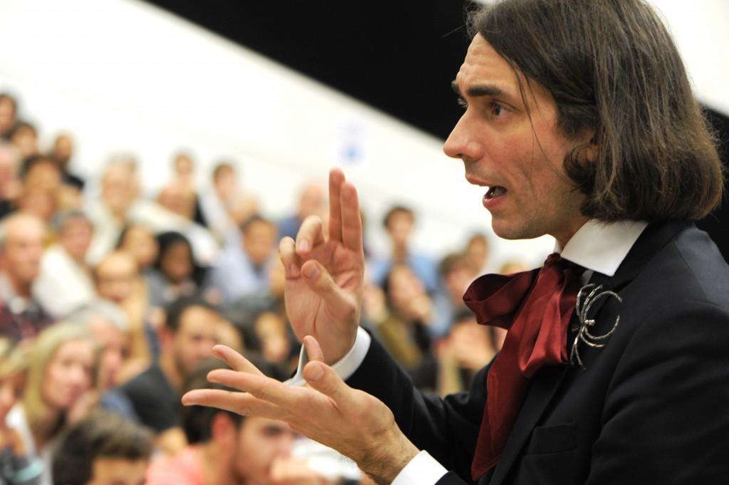 """Cédric Villani : """"Les scientifiques doivent reprendre la main sur le partage des connaissances"""""""